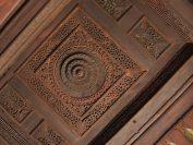 天井にも細かい細工がなされている。