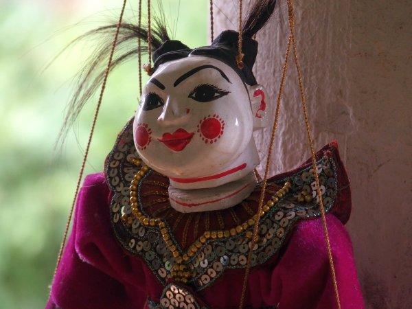 人形劇の人形。独特のミャンマースタイル。