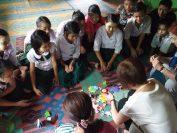 孤児院の子どもたちとの交流風景