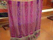 ペンマイ工房所有のアンティークのシン(巻きスカート)
