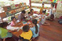 自宅の隣に作られている子ども図書館